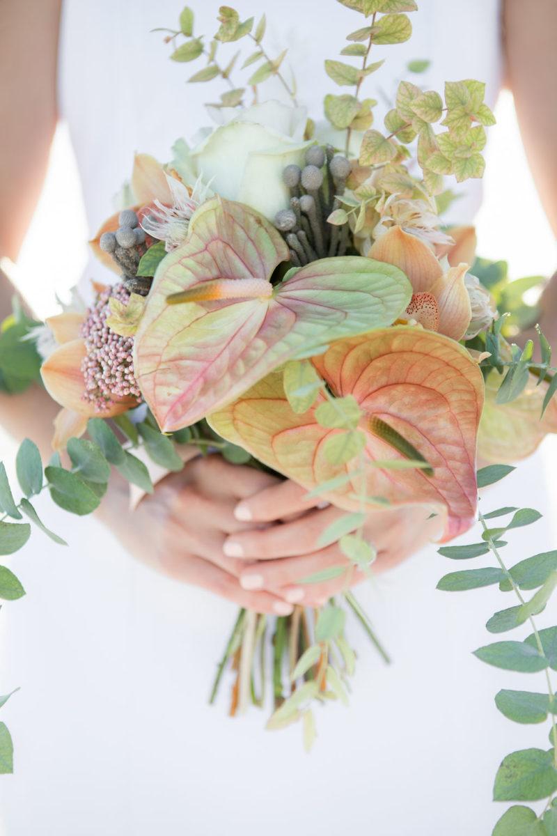 Simple Elegant Modern Wild Pastel Wedding Bouquet Victoria Chukarov Salt Flats Utah 3