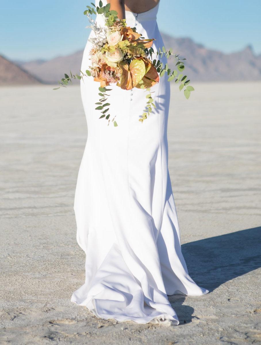 Simple Elegant Modern Wild Pastel Wedding Bouquet Victoria Chukarov Salt Flats Utah 4