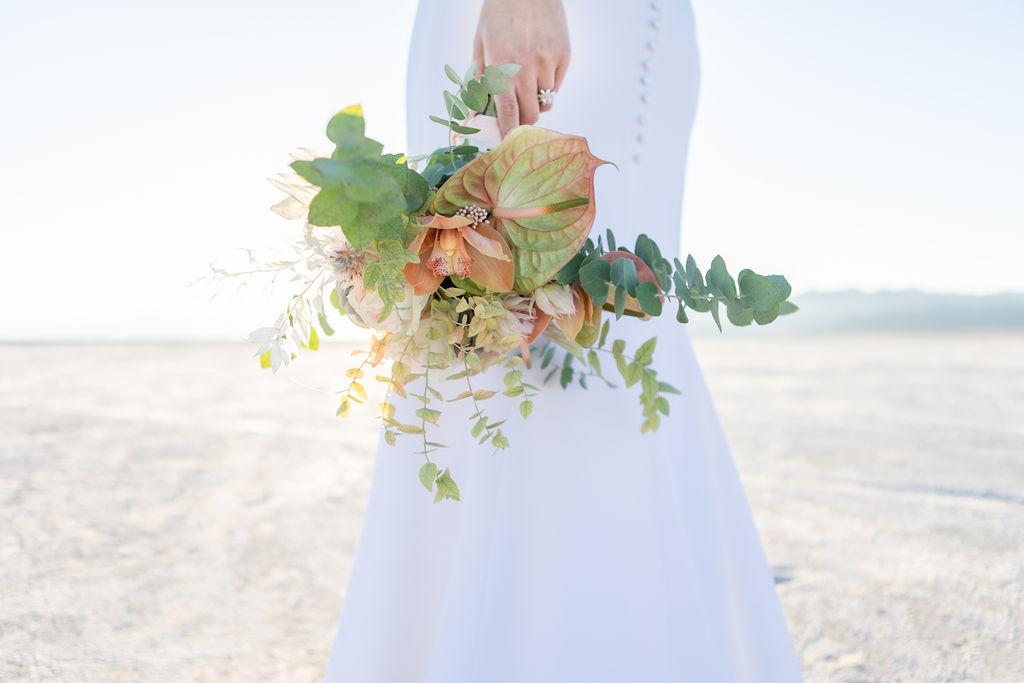 Simple Elegant Modern Wild Pastel Wedding Bouquet Victoria Chukarov Salt Flats Utah 5