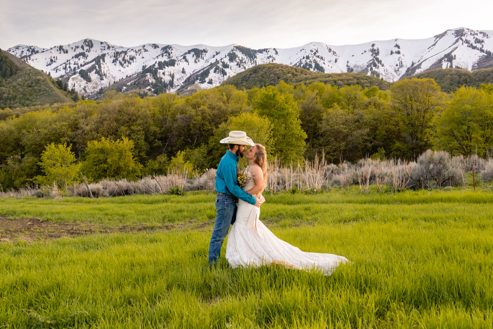Utah Rocky Mountain Elopement Wasatch Mountains Bridal Shoot Halie West Adventure Photography 8