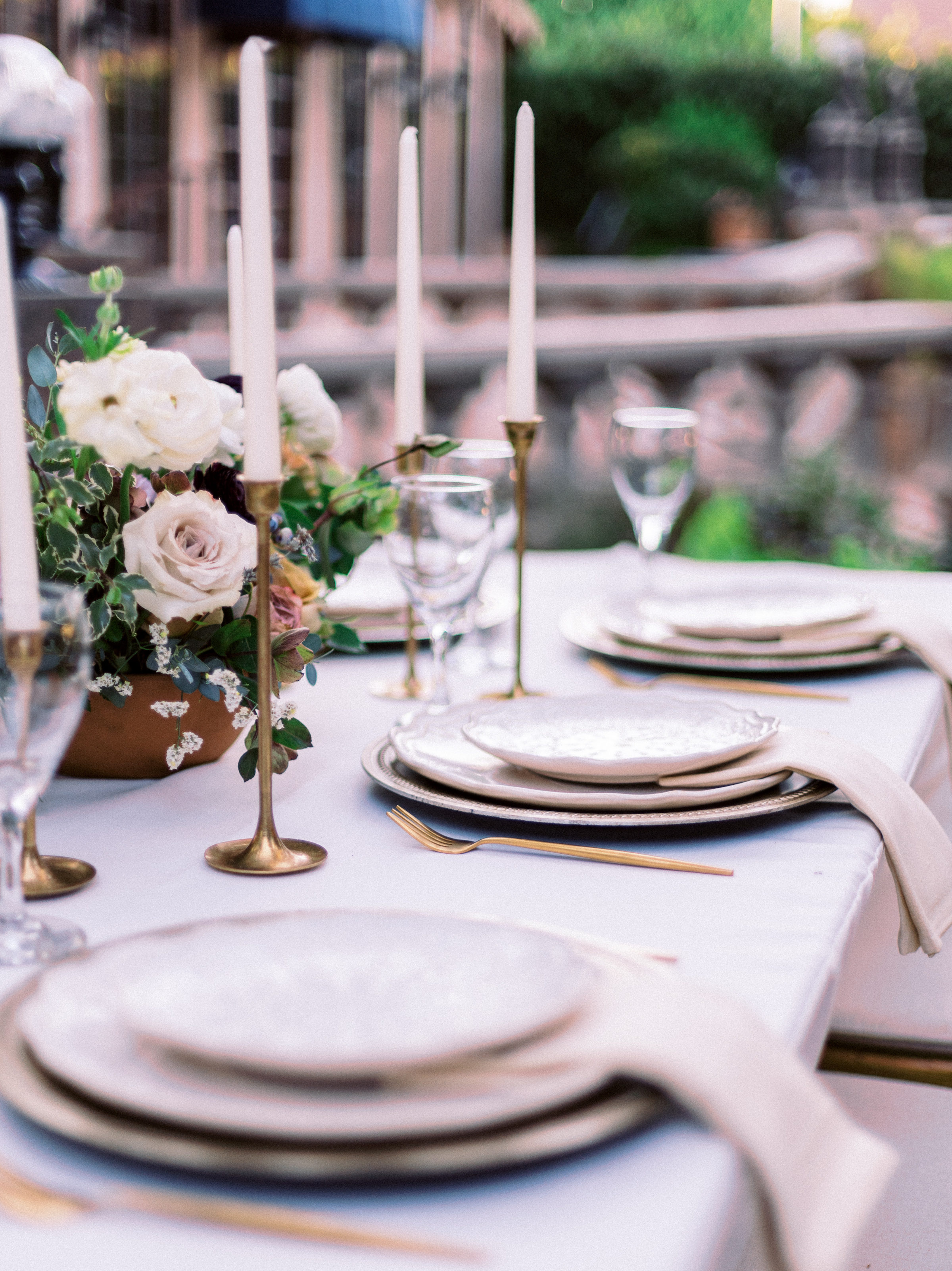 Gold Wedding Table Decor Wright House Truth And Beauty Photography 1