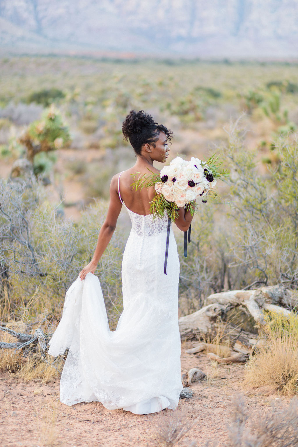 Edgy Romantic Wedding Red Rock Canyon Las Vegas Bride Elizabeth Burgi Photography 10