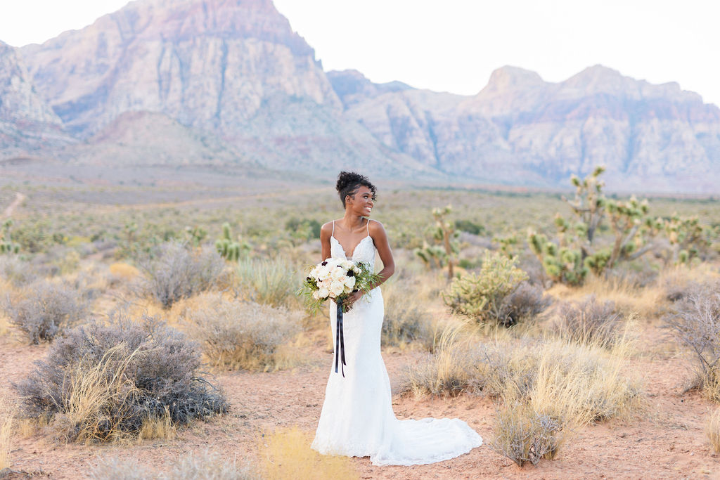 Edgy Romantic Wedding Red Rock Canyon Las Vegas Bride Elizabeth Burgi Photography 2