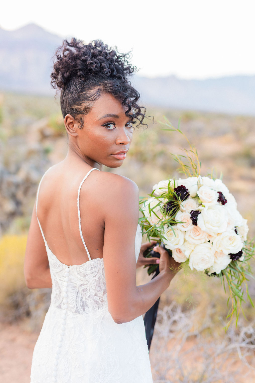 Natural Bridal Makeup Curly Hair Wedding Inspo Black And White Elizabeth Burgi Photography 2